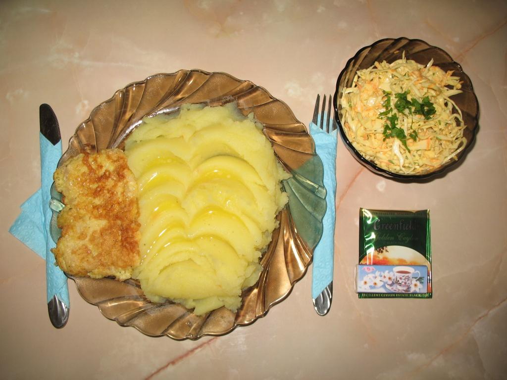 Рассмотрим самые простые блюда, которые можно приготовить на обед быстро и вкусно из простых продуктов.